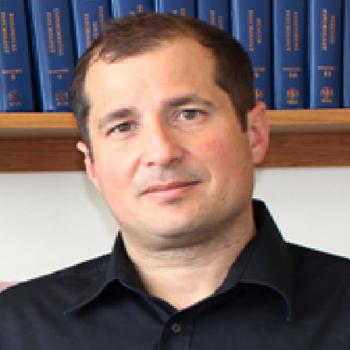 Dr. Karim Fouad